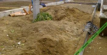 Глина от копки колодцев на участке