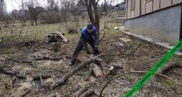 Распил дерева на дрова бензопилой Stihl